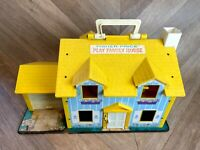 Vintage Fisher Price Little People Family House 952 1970s, With extras / people
