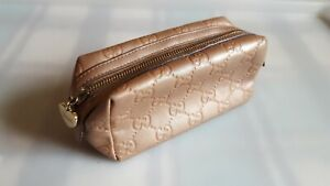 GUCCI GUCCISSIMA GG LADIES LEATHER POUCH BAG. BRONZE/METALLIC. 153228 525040.