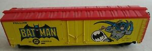 TYCO TRAINS - BATMAN BOX CAR - DC COMICS - HO SCALE VINTAGE, YELLOW USA 1977