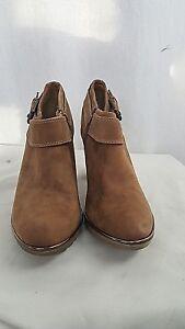 Sofft Brown Suede Side Zip Booties Heels size 9.5