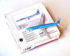 Aviation400 ● Rare KOREAN AIR (reg. HL7559) Boeing B737-800 ● Metal scale 1/400