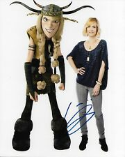 KRISTEN WIIG HOW TO TRAIN YOUR DRAGON AUTOGRAPHED PHOTO SIGNED 8X10 #1 RUFFNUT