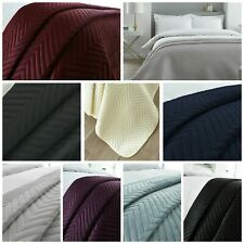 Soft Velvet Touch Throw Quilted Bedspread Comforter Cosy Bedding Double Size