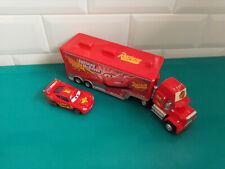 2003024 Lot camion + voiture Cars Disney Pixar flash mc queen + Mack
