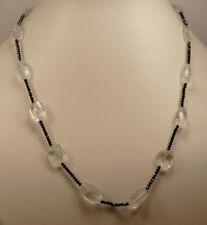Halskette mit natürlichen ovalen Aquamarine und schwarzen Spinell Kugeln
