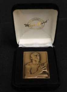 MICHAEL JORDAN HIGHLAND MINT MINI BRONZE MINT-CARD 1996 UPPER DECK BULLS T120