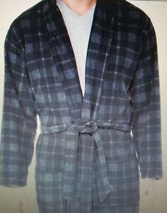Perry Ellis Fleece Robe