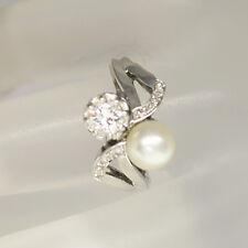 Antiker Ring mit ca. 0,60ct W-vsi Diamant und einer Zuchtperle 585/14K Weißgold
