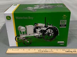 John Deere WATERLOO BOY 1:16 Silver Platinum NIB 100 Year of Tractor PRECISION