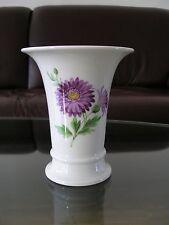 Meissen Kleine Vase Small Vase Trichtervase Crater Vase Bunte Blume Knaufzeit