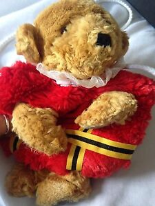 VINTAGE MERRYTHOUGHT beefeater red  MUFF Child's Toy COLLECTIBLE Bear purse