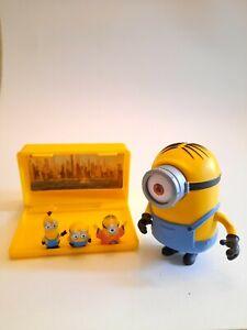 Minions Micro Minion Playset 3 NYC New York City mini figure set + larger figure