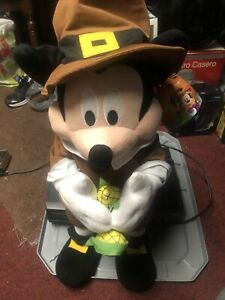 Fall Holiday Thanksgiving Disney 24 in Tall Mickey Mouse Pilgrim Greeter UWT