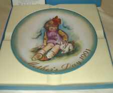 1991 Schmid Soft And Gentle Porcelain Mother's Day Collector Plate Hummel