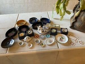 dolls house accessories job lot of kitchen plates crockery pottery items 1.12th