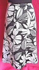 AMANDA SMITH Black White Silk Satin Floral Skirt Sz 12 A-Line Below Knee Lined