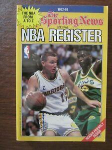 1992-93 The Sporting News TSN Official NBA Register Chris Mullin on the Cover