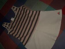 VESTIDO marca ADIDAS estilo tenis entero pero como si  fuera camiseta y falda