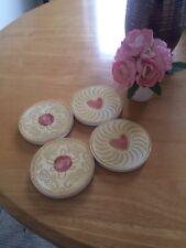 Sass & Belle Shabby Chic Jammy biscotto in legno Bevande Sottobicchieri Stuoie Ridotto Vendita
