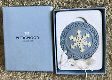 "New ListingWedgewood Christmas Ornament "" Snowflake 2001"" Blue & White Relief Porcelain"