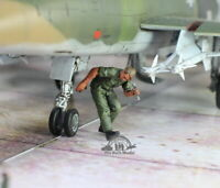 USAF Ground Crew Support in Airfield 1:48 Pro Built Model #5