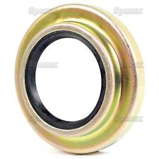 Ford Tractor 5610,6410,6610,7610,7810,8210 Half Shaf Seal & Retainer Assembly