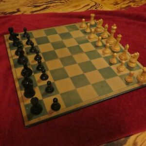 Vintage Drueke Chess set with board & box King 3 1/2 inches all there