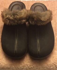 Crocs 16288 Cobbler Women's Faux Fur Trim  Leather Slip-on Rubber Mules Sz 10 W
