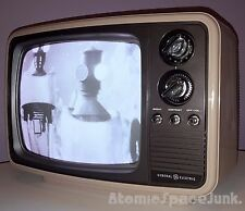 Ge Sculpture Vintage Television Mod Space Age Retro 1982 Black & White Tv Set