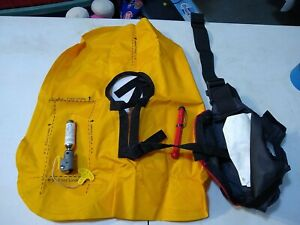 Pre Owned Cabela's  24G manual PFD Inflatable Life Jacket
