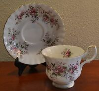 Vintage Royal Albert Lavender Rose Tea Cup & Saucer with Pink Rose Floral Motif