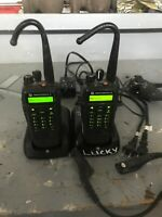 2 Motorola XPR6550 UHF 450-512 MHz  AAH55TDH9LA1AN  Radio With Mics And Chargers