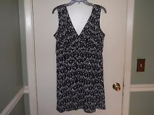 14th Place Ladies Sleeveless Casual Dress Size XL(16-18) Black&White Knee Length