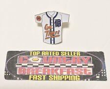 0f4d6d4bd Vintage Detroit Tigers MLB White Baseball Jersey 76 Gas Hat Lapel Pin -  Nice!
