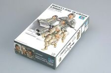 Trumpeter 00415 1/35 CH-47D Transport Helicopter Crew Infantry Soldiers Model