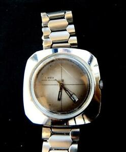 Vintage rare art deco Timex wind up wristwatch circa 60's water resistant