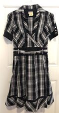 Karen Millen England Dress size 6 Fit And Flare Black/white Classic Timeless