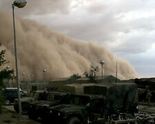 SAND STORM ROLLS OVER MILITARY BASE IN IRAQ 8x10 PHOTO