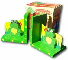Set of two wooden frog shaped bookends perfect for a child's bedroom