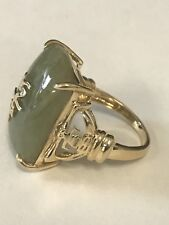 14K Yellow Gold Large Light Green Jadeite Jade Ring 8.7 grams. size 7