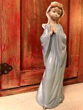 "Lladro Praying Nun"" Nao Daisa Figurine"