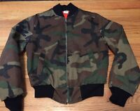 Vintage US Army Military Camouflage Zipper Jungle Jacket. Size 14 Made In USA.