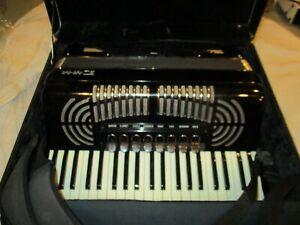 Vintage Italian Piano Duma Accordion & Case & Straps Plays needs restoration