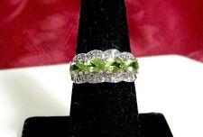 14K 585 WHITE GOLD OVAL GREEN PERIDOT AND DIAMONDS RING SIZE 7.25