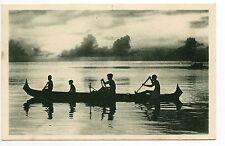 Carolines  Océan indien Indigenes canaques sur leur pirogue à balancier