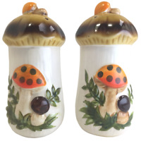 Vintage Sears and Roebuck Merry Mushrooms Salt And Pepper Shakers 1978