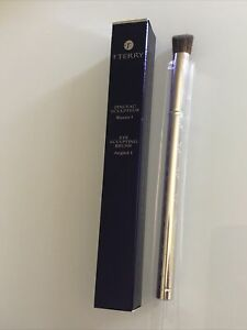 By Terry EYE SCULPTING BRUSH.  Angled 1