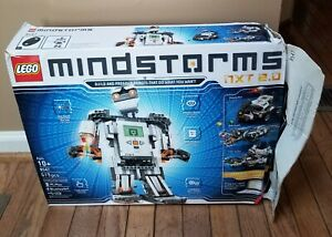 Lego Mindstorms NXT 2.0 8547, Used, Brick turns on, Has missing pieces