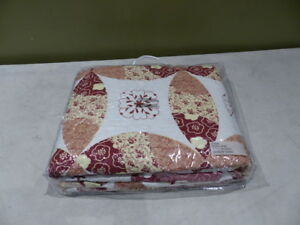 BURG PATCHWORK QUILT N/A RED/WHITE 31684