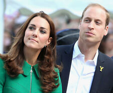 Catherine, Duchess of Cambridge & Prince William UNSIGNED photo - H5851